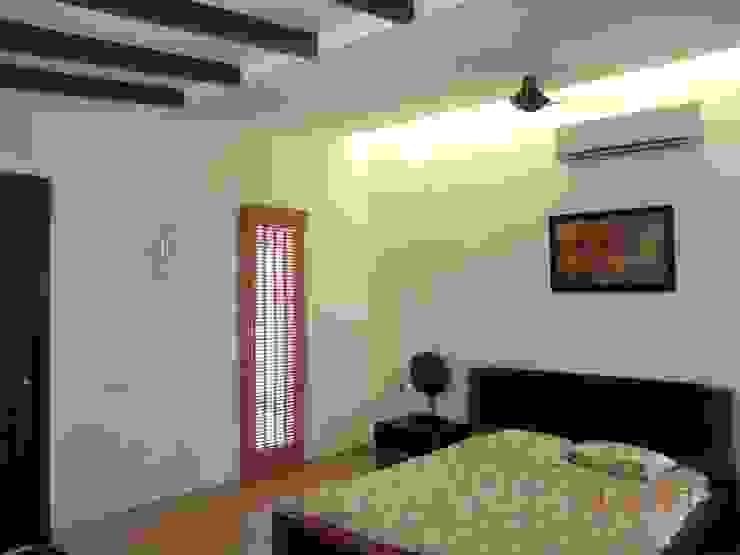 Sumeru Farmhouse Tropical style bedroom by ICON design studio Tropical