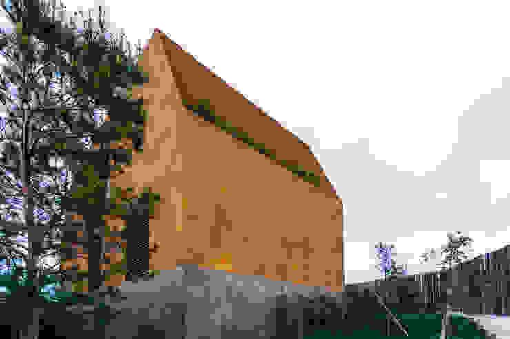 Casa Varatojo Moderne Häuser von Atelier Data Lda Modern