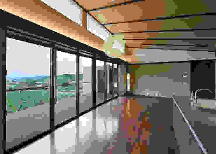 風の通る家 モダンな 窓&ドア の アーキペラゴデザイン一級建築士事務所 モダン