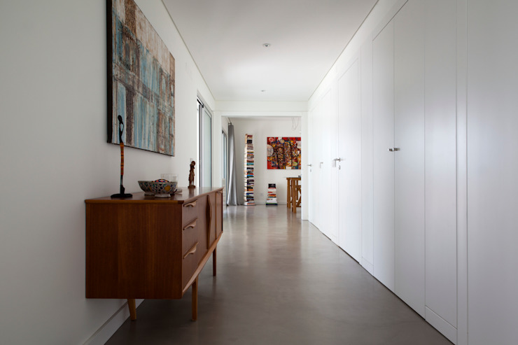 Casa Sol Modern Corridor, Hallway and Staircase by Atelier Data Lda Modern