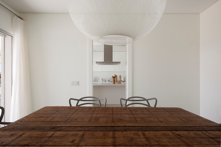 Dining room by Atelier Data Lda, Modern