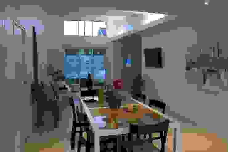 La salle à manger par Atelier FA - Achitecture d'intérieurs & d'extérieurs