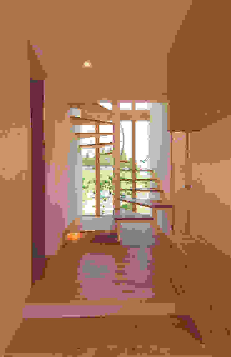 Casas modernas de 株式会社ルティロワ 一級建築士事務所 Moderno