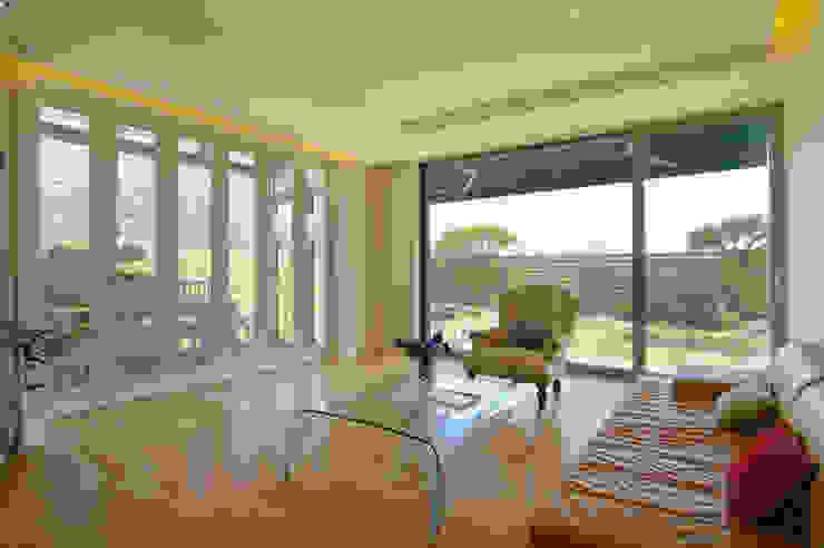 Balcones y terrazas de estilo moderno de Design A3 Moderno