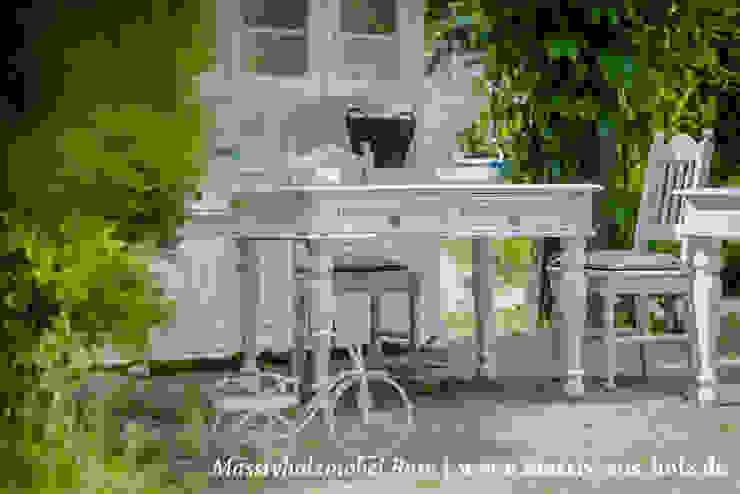 Dapur Gaya Skandinavia Oleh Massiv aus Holz Skandinavia Parket Multicolored