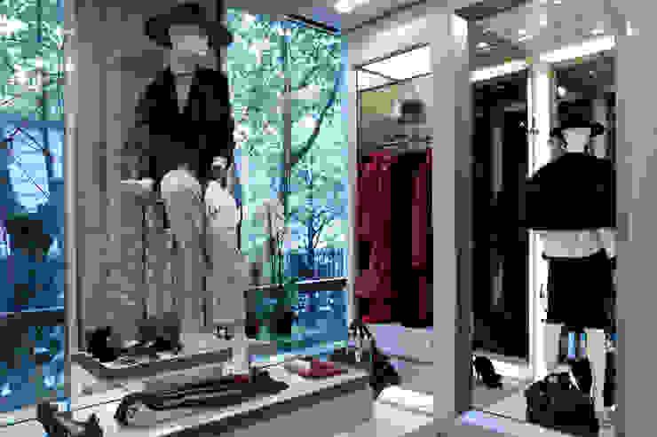 Amaranto Negozi & Locali commerciali in stile classico di Spagnulo & Partners Classico