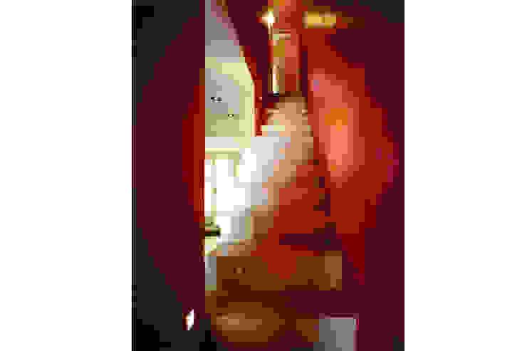 Donizzetti Ingresso, Corridoio & Scale in stile minimalista di Spagnulo & Partners Minimalista
