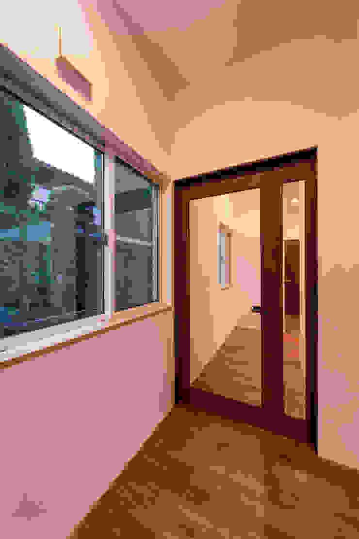 松本の家。 モダンスタイルの プール の 株式会社ルティロワ 一級建築士事務所 モダン