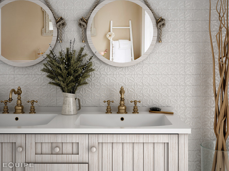 homify Colonial style bathroom