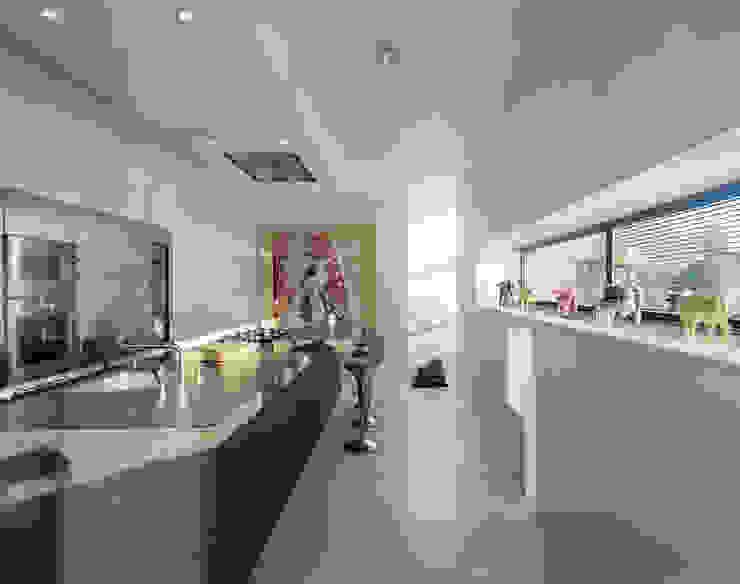 Villa in Limburg Moderne keukens van Engelman Architecten BV Modern