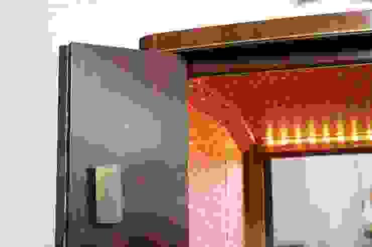 MÓVEL BAR por AKTO - Arts & Krafts Technologies Clássico Madeira Acabamento em madeira