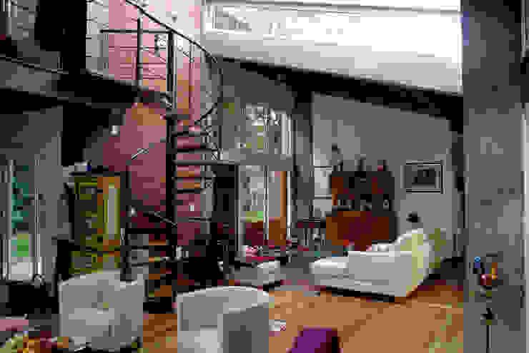 Residência RLC Salas de estar modernas por Squadra Arquitetura Moderno Tijolo