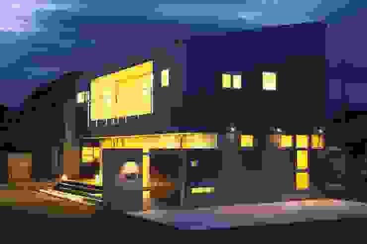 Modern houses by SPACE DESIGN STUDIO Modern Iron/Steel