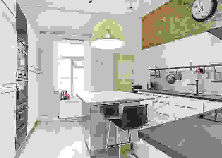 Шведский дом в Москве Кухня в скандинавском стиле от K-Studio Скандинавский