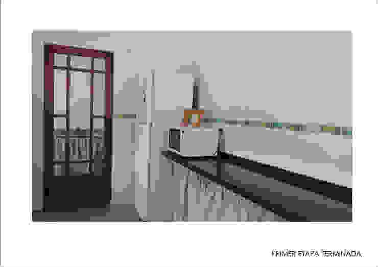Modern kitchen by Ronda Estudio Modern