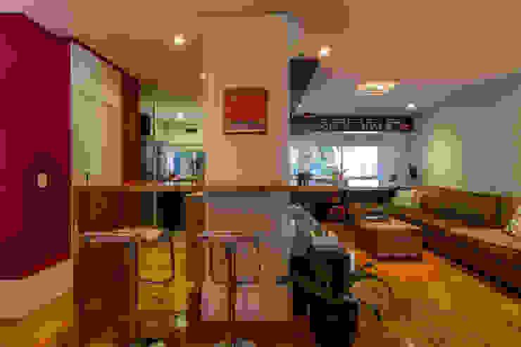 Home Theater e Cozinha Cozinhas modernas por contato83 Moderno