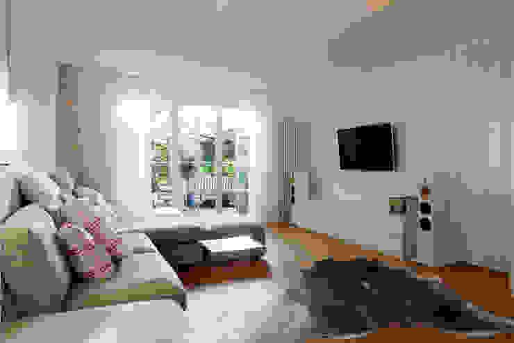 Haus E19 Holzerarchitekten Moderne Wohnzimmer
