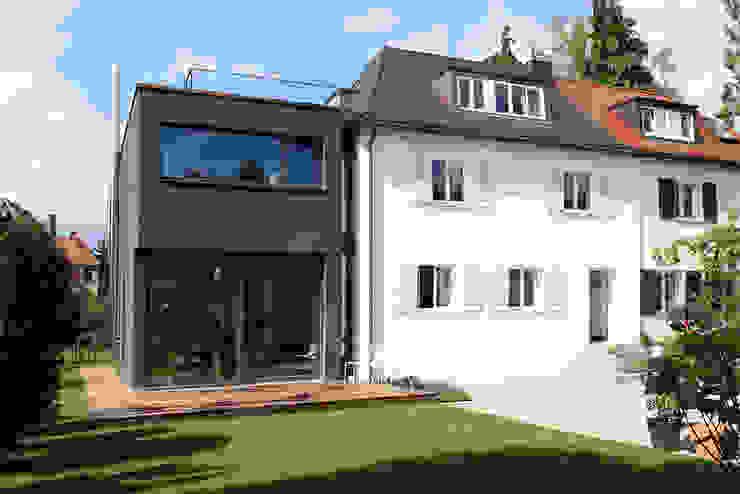 Modern houses by Holzerarchitekten Modern