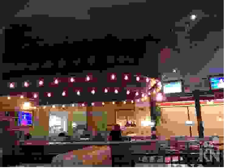 The Fifties Retrofit - Shopping Eldorado   SP Espaços gastronômicos modernos por KN Arquitetura Moderno