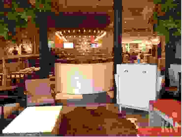 The Fifties Retrofit – Shopping Eldorado   SP Espaços gastronômicos modernos por KN Arquitetura Moderno
