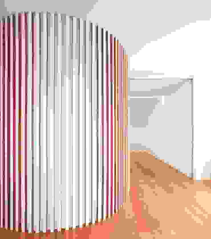 Renovação de uma casa em Viseu Salas de jantar modernas por BAU UAU ARQUITECTURA Moderno