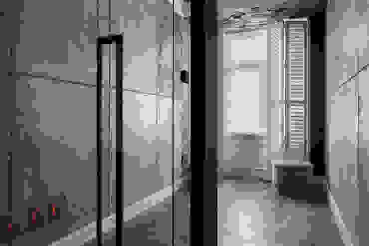 Квартира на Морском проспекте Санкт-Петербурга Коридор, прихожая и лестница в модерн стиле от Студия дизайна интерьера 'Юдин и Новиков' Модерн