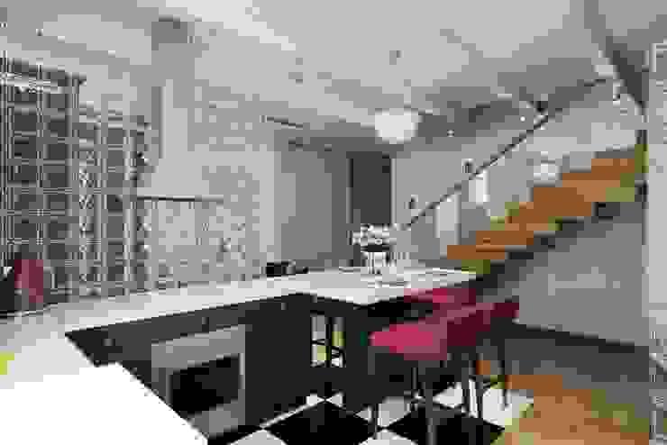 СТИЛЬНЫЕ ПРИЧУДЫ: Кухни в . Автор – Дизайн студия Алёны Чекалиной, Лофт