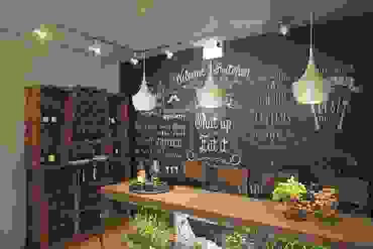 Ruang Penyimpanan Wine/Anggur Gaya Industrial Oleh Дизайн студия Алёны Чекалиной Industrial