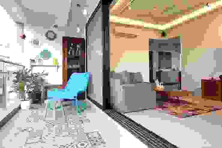Kalina Residence Modern balcony, veranda & terrace by SwitchOver Studio Modern