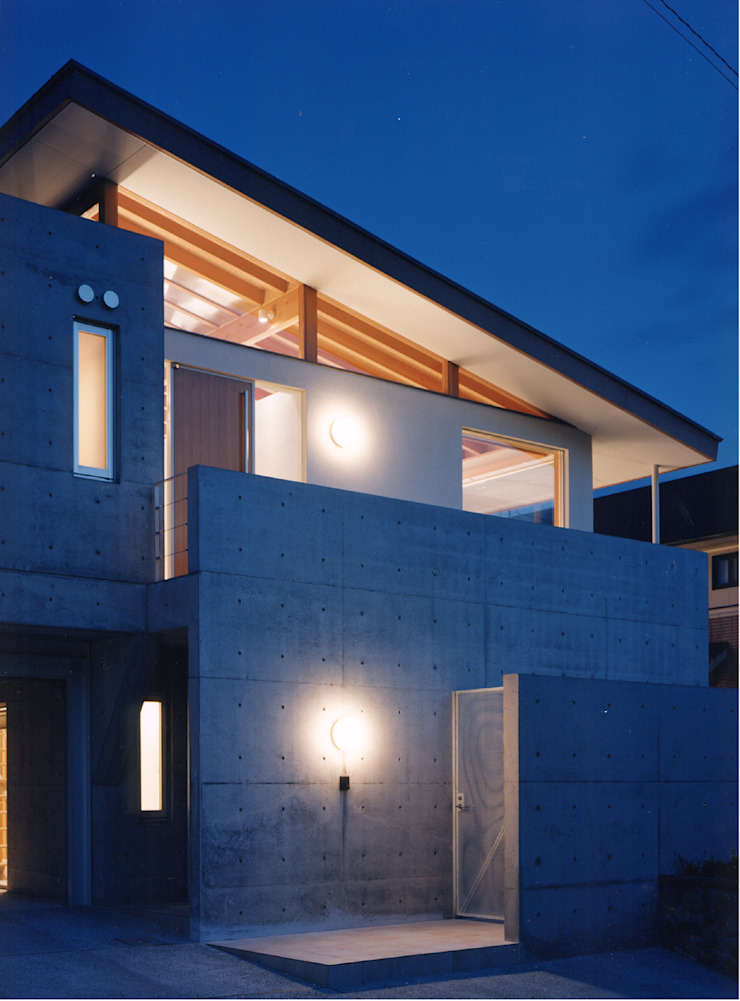 株式会社 小林恒建築研究所 บ้านและที่อยู่อาศัย