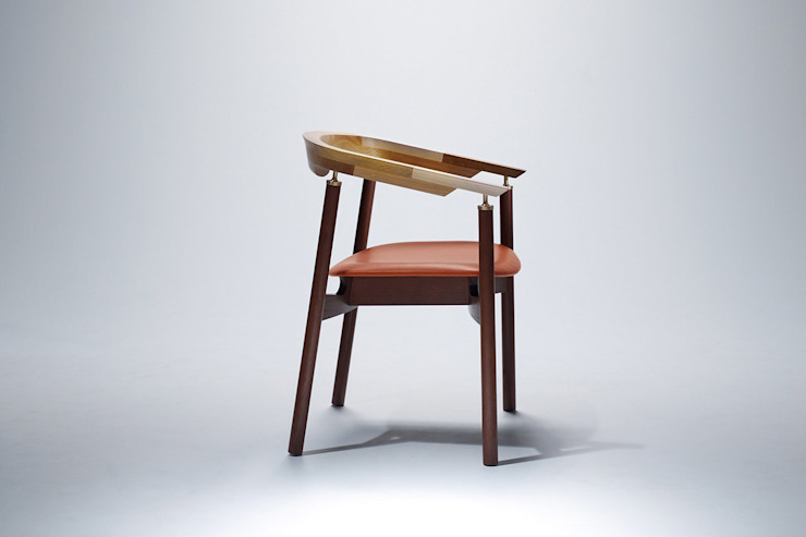 Ostinato seriese Arm Chair: MOCTAVEが手掛けた現代のです。,モダン 無垢材 多色
