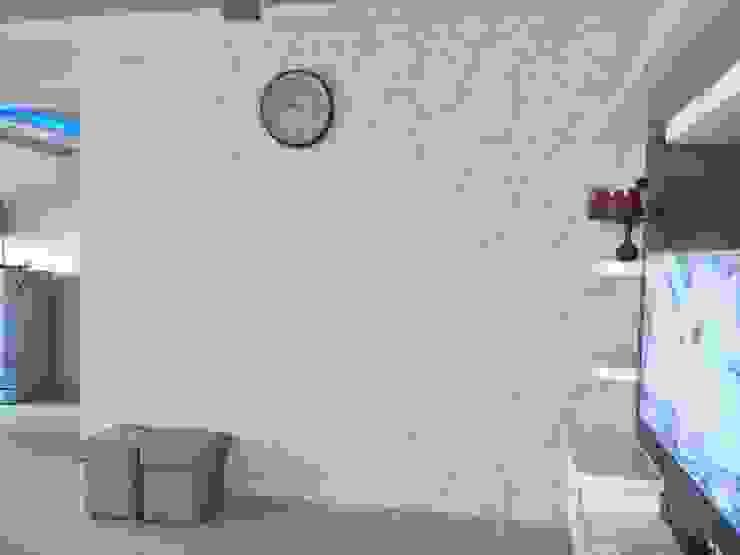 2BHK—Interior Flat @Ahmedabad Modern living room by SkyGreen Interior Modern