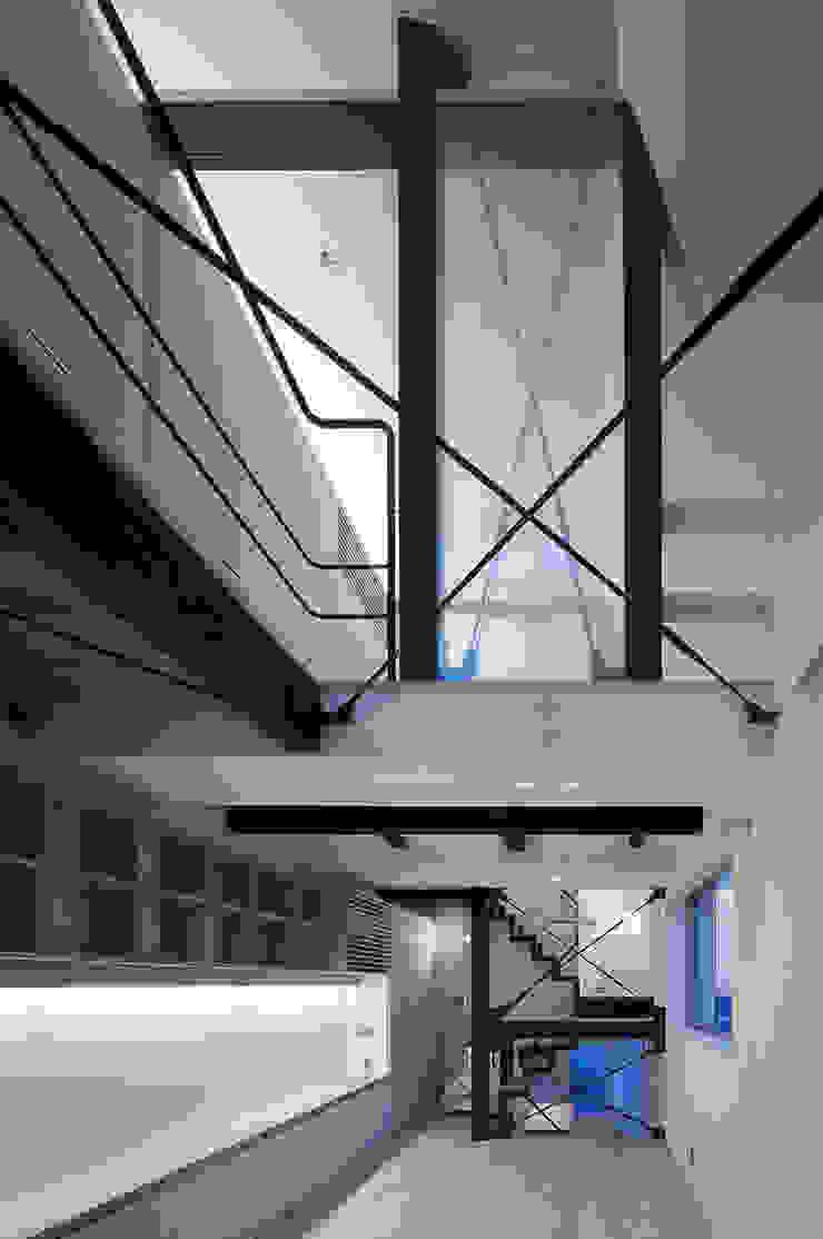 根來宏典建築研究所 ห้องนั่งเล่น ไม้ White