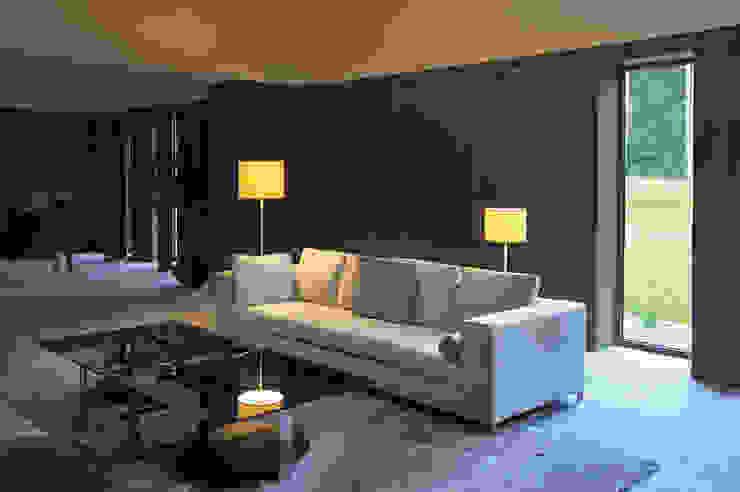 Soprana SL-2 Stehleuchte Moderne Wohnzimmer von homify Modern Textil Bernstein/Gold