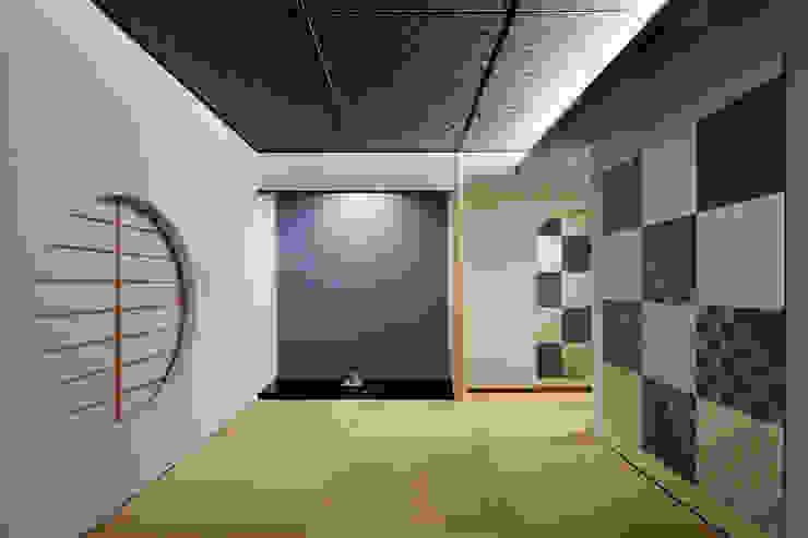 五感を楽しませる空間 モダンデザインの 多目的室 の 根來宏典建築研究所 モダン 木 木目調