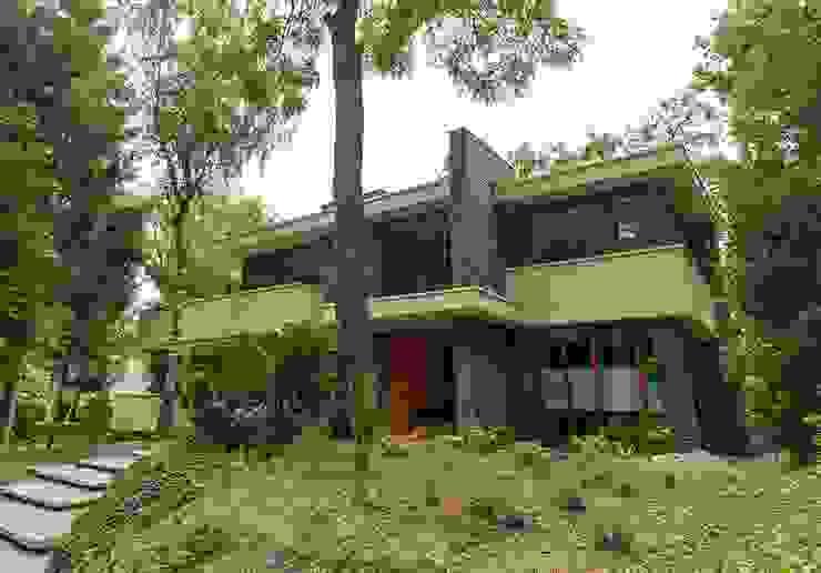 Casas modernas por STROOM architecten Moderno Pedra