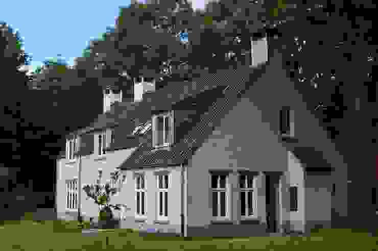 STROOM architecten Casas de estilo rural