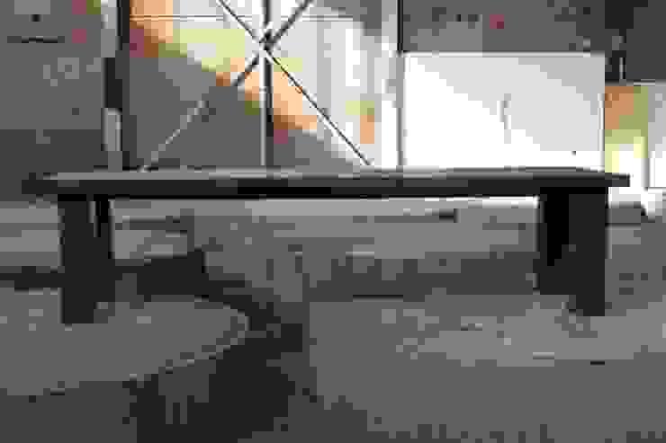 Nostalgische inrichting woonkamer en keuken van Ab Houtcreaties Industrieel Hout Hout