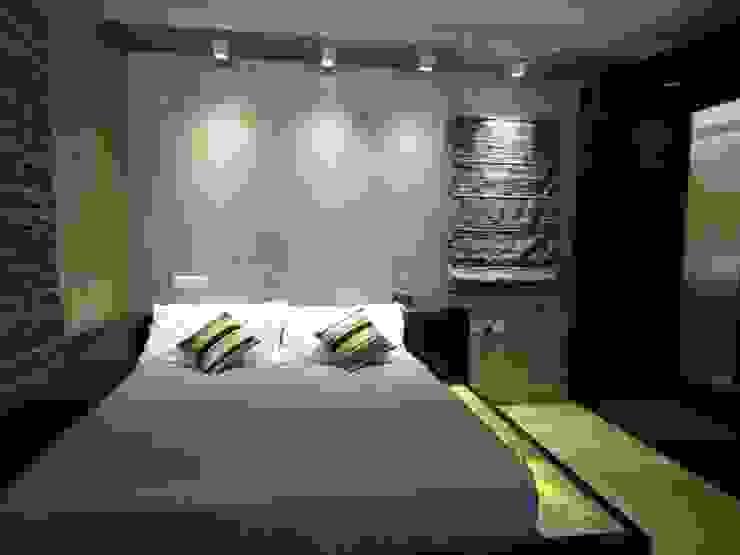 Maddineni Residence Modern style bedroom by Freelance Designer Modern