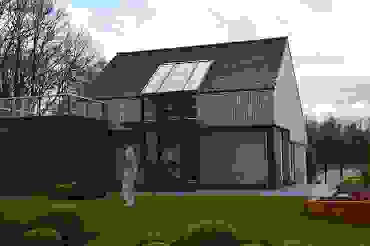 STROOM architecten Jardines modernos: Ideas, imágenes y decoración