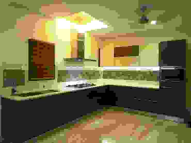 Maddineni Residence Modern kitchen by Freelance Designer Modern