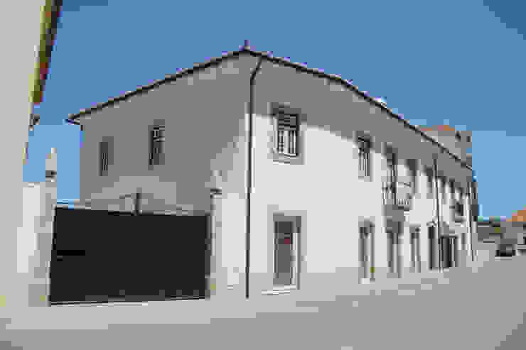 A fachada atual por Nrtb Arquitectos