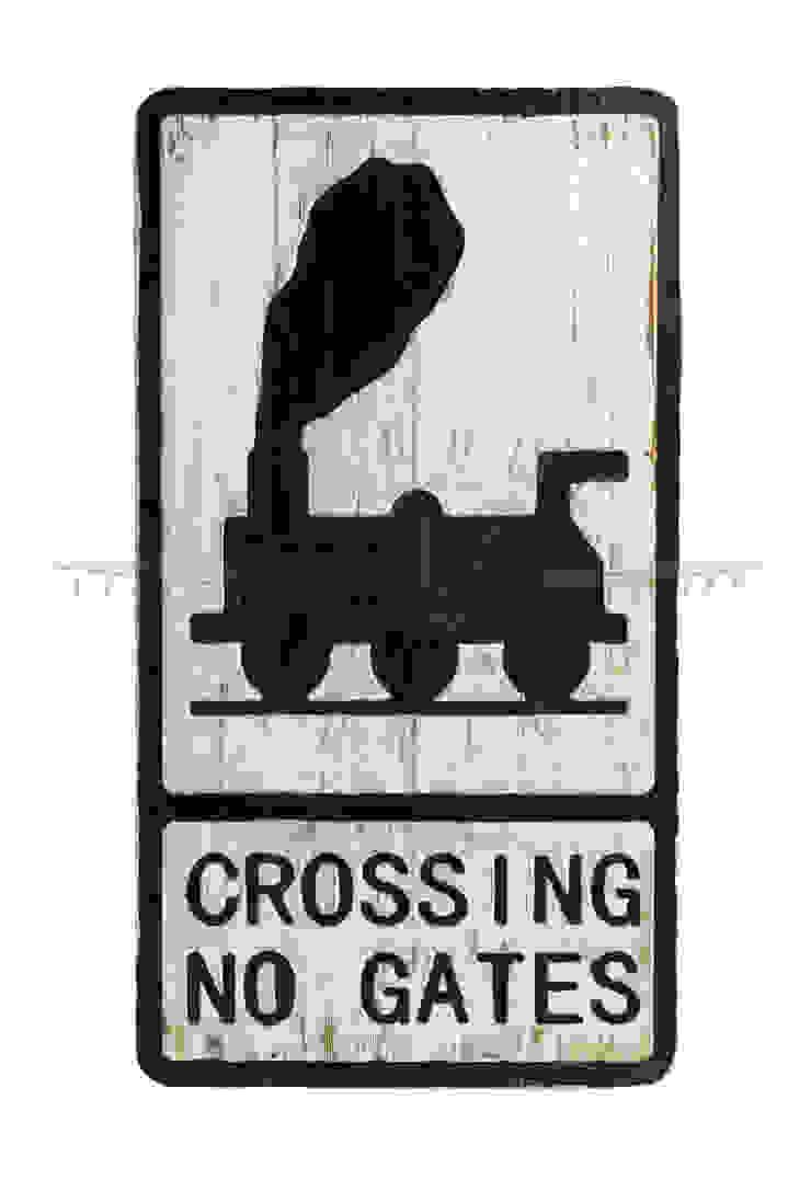 Дорожный знак декоративный Crossing no gates V776 от LeHome Interiors Лофт Дерево Эффект древесины