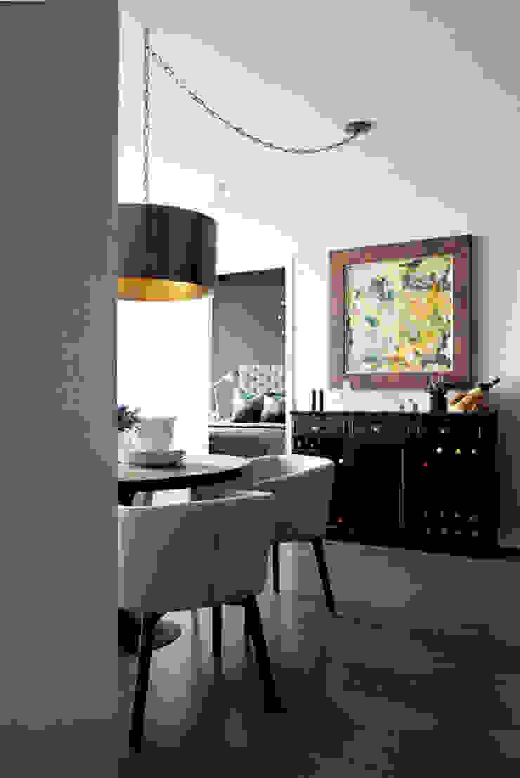 Appaprtement, 2013 Salle à manger moderne par ANNA DUVAL Moderne