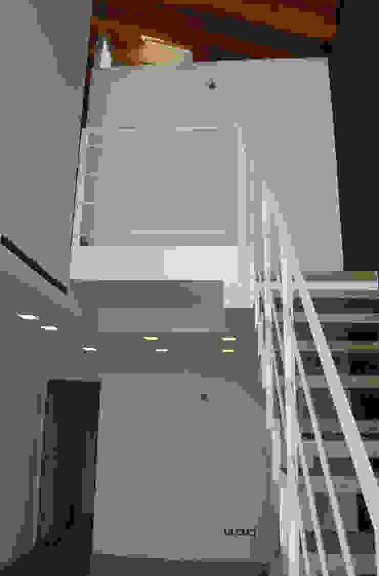 residenza ad Abano terme Soggiorno moderno di studi di progettazione riuniti Moderno