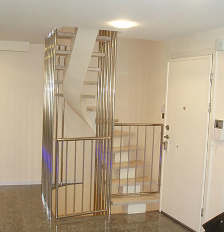 Couloir, entrée, escaliers modernes par STİLART MOBİLYA DEKORASYON İMALAT.İNŞAAT TAAH. SAN.VE TİC.LTD.ŞTİ. Moderne