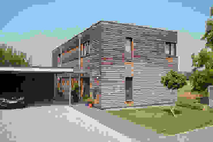 Haus E. Klassische Häuser von hümmer söllner architekten Klassisch
