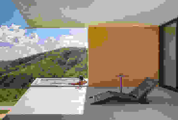 Casa Popsonics - Lab 606 Arquitetos Piscinas modernas por Joana França Moderno