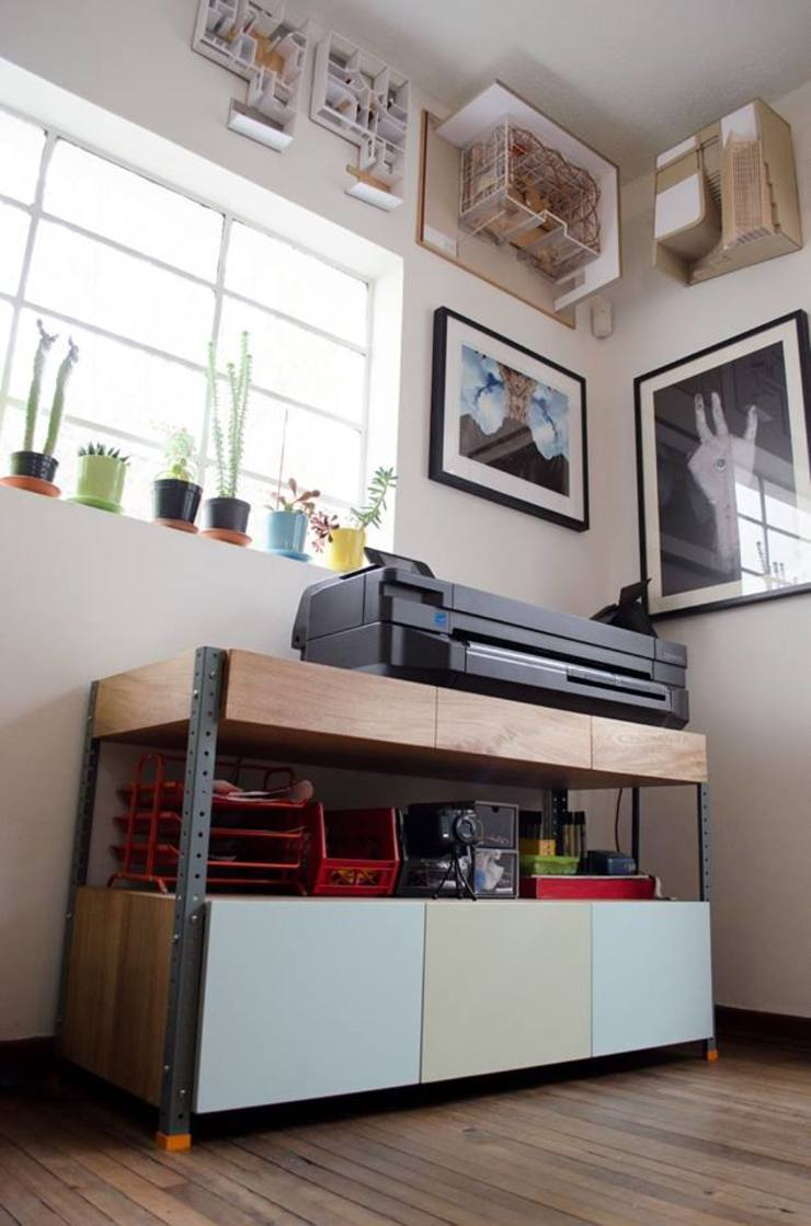 Classic style study/office by Yemail Arquitectura Classic