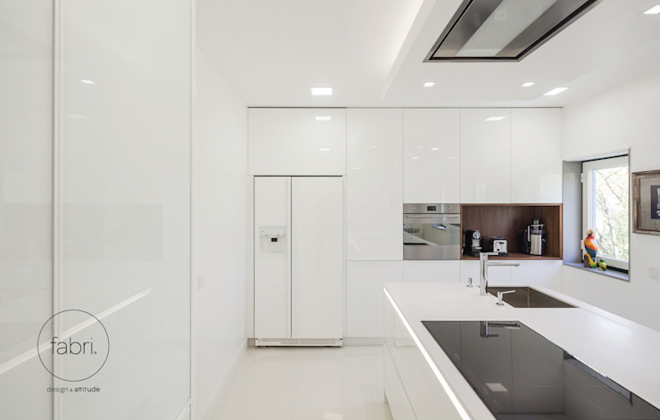 In the heart of the home Modern kitchen by FABRI Modern